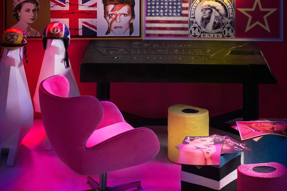 Kapow Chair Neons Cocoa Power Desk Lifestyle