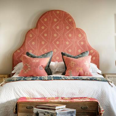 Pink_Headboard_close_up