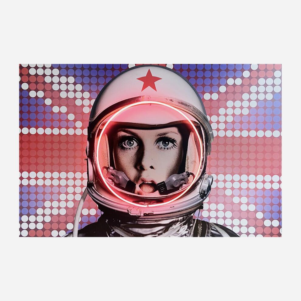 Space_Girl_UK_Flag_On