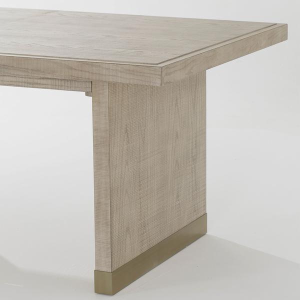 Raffles_dining_table_detail