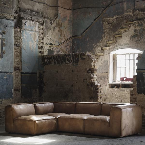 byron_sectional_sofa_lifestyle_1