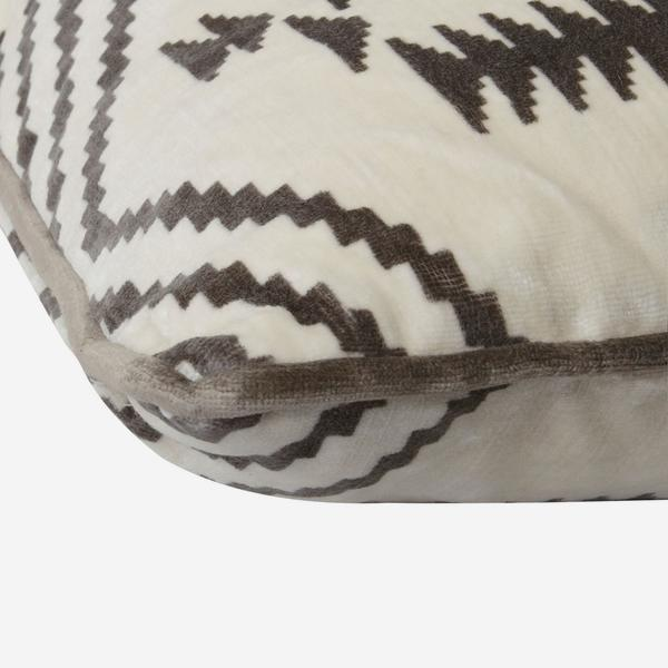 Navaho_Grey_Cushion_Detail_ACC2394_