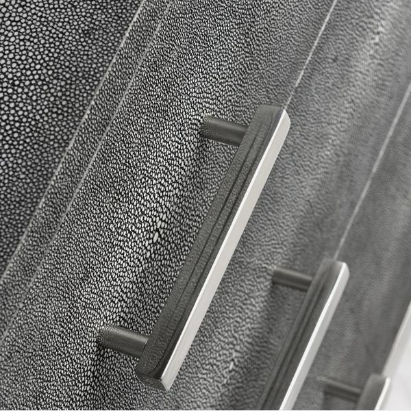 Jasper_Side_Chest_grey_detail