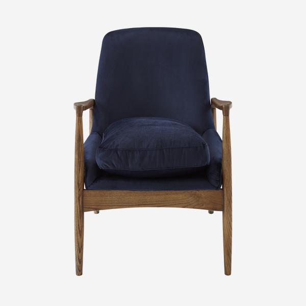 Crispin_Chair_Front_CH899