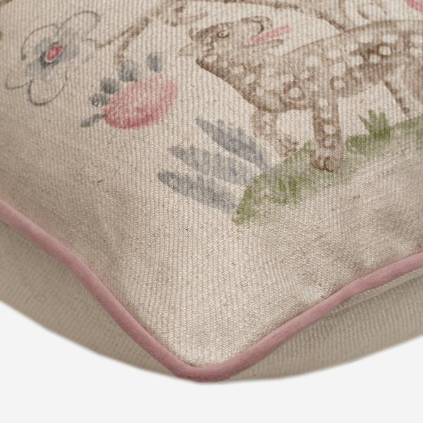 Hedgerow_Cerise_Cushion_Detail_ACC3128_