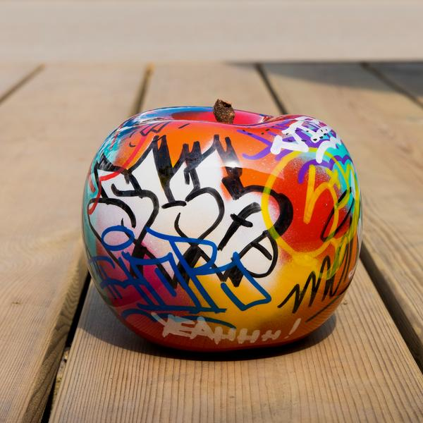 graffiti_apple_08